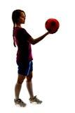 Muchacha con la bola aislada Fotografía de archivo