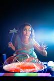 Muchacha con la bola del jabón Fotografía de archivo libre de regalías