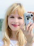 Muchacha con la cámara Fotografía de archivo