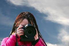 Muchacha con la cámara Imágenes de archivo libres de regalías