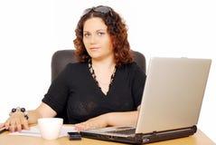 Muchacha con la computadora portátil Imagen de archivo libre de regalías