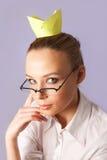 Muchacha con la corona de la etiqueta engomada Fotos de archivo libres de regalías