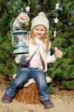 Muchacha con la linterna Fotos de archivo libres de regalías