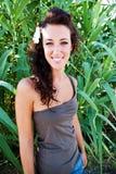 Muchacha con la piel ligera y el pelo oscuro p Fotografía de archivo