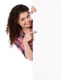 Muchacha con la tarjeta Imagen de archivo libre de regalías