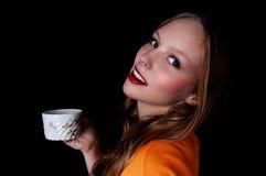 Muchacha con la taza de café. Imágenes de archivo libres de regalías