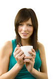 Muchacha con la taza de café (aislada en blanco) Imagenes de archivo