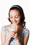 Muchacha con leche imagen de archivo