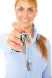 Muchacha con llave Foto de archivo libre de regalías