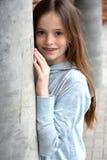 Muchacha con los apoyos dentales Foto de archivo libre de regalías