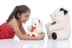 Muchacha con los osos del peluche Fotografía de archivo