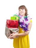 Muchacha con los regalos de la Navidad Foto de archivo
