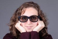 Muchacha con los vidrios Imagenes de archivo