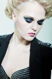 Muchacha con maquillaje brillante en los ojos Imagenes de archivo