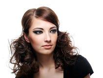 Muchacha con maquillaje y el peinado de la manera Imágenes de archivo libres de regalías