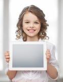 Muchacha con PC de la tableta Fotografía de archivo libre de regalías