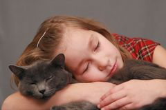 Muchacha con su amigo Fotografía de archivo libre de regalías