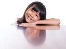 Muchacha con su reflexión IX de la cara Fotos de archivo libres de regalías