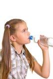 Muchacha con un agua. Imagen de archivo libre de regalías