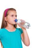 Muchacha con un agua. Fotografía de archivo