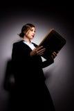 Muchacha con un libro Fotos de archivo