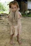Muchacha con un paño sucio, Laos de Hmong Imagenes de archivo