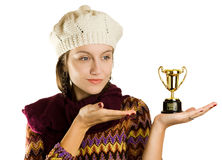 Muchacha con un trofeo imágenes de archivo libres de regalías