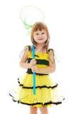 Muchacha con una red de la mariposa para las mariposas de cogida Fotografía de archivo libre de regalías