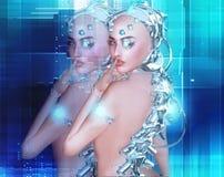 Muchacha de Android, ser humano de la pieza del robot de la parte Fotos de archivo