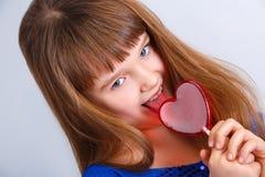Muchacha de día de las tarjetas del día de San Valentín Fotos de archivo libres de regalías