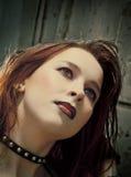 Muchacha de Emo con el pelo hermoso Fotos de archivo libres de regalías