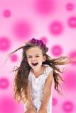 Muchacha de grito feliz rosada Imagenes de archivo
