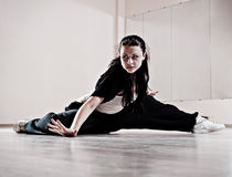 Muchacha de Hip-hop en el movimiento de la danza Imagen de archivo libre de regalías
