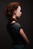 Muchacha de la belleza con el peinado de las trenzas Foto de archivo libre de regalías