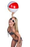 Muchacha de la bola de playa Imágenes de archivo libres de regalías