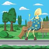 Muchacha de la historieta en el parque que se sienta en el banch que juega con el perro Foto de archivo