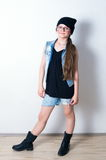 Muchacha de la moda de los jóvenes con los vidrios Imagenes de archivo