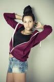 Muchacha de la moda del hip-hop Foto de archivo libre de regalías
