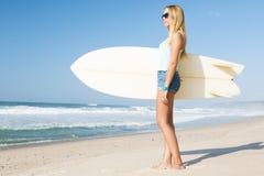 Muchacha de la persona que practica surf de Blode Fotos de archivo