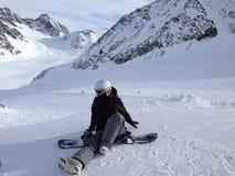 Muchacha de la snowboard imágenes de archivo libres de regalías