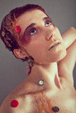 Muchacha de maquillaje exótica brillante Fotos de archivo