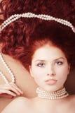 Muchacha de mentira joven hermosa Imagenes de archivo