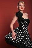 Muchacha de moda atractiva fotografía de archivo libre de regalías