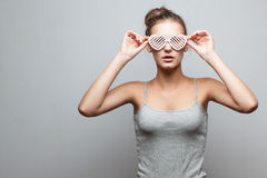 Muchacha de moda en gafas de sol Fotografía de archivo