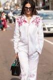 Muchacha de moda en la semana de la moda de Milano Imágenes de archivo libres de regalías