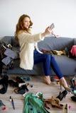 Muchacha de moda que toma el selfie Imagen de archivo