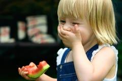 Muchacha de risa del niño Fotos de archivo libres de regalías
