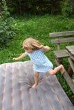 Muchacha de salto Imagen de archivo libre de regalías