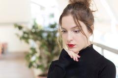 Muchacha del adolescente, 16 años Estilo de pelo de Updo Imagen de archivo libre de regalías