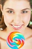 Muchacha del adolescente con el lollipop Imágenes de archivo libres de regalías